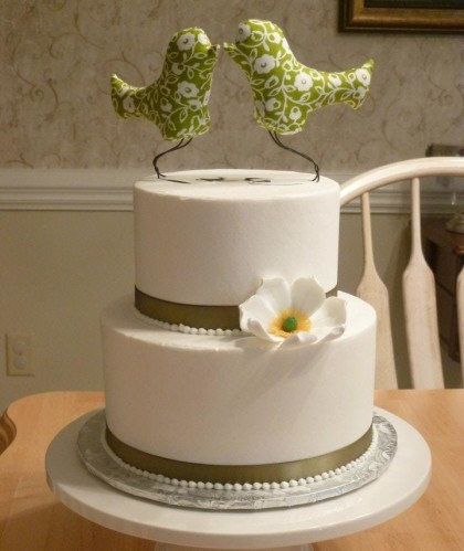 Ivory Buttercream with Green Birds Topper