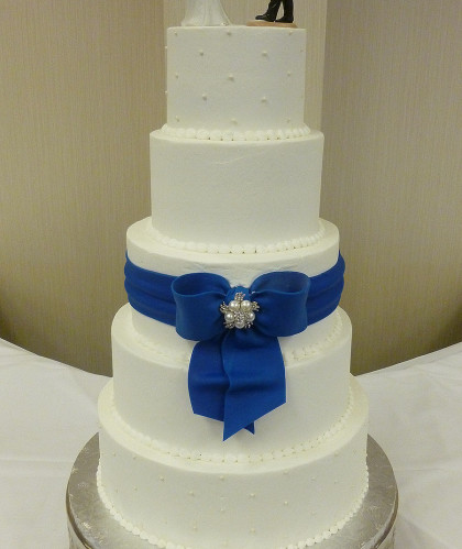 Five Round Tiers with Fondant Bow