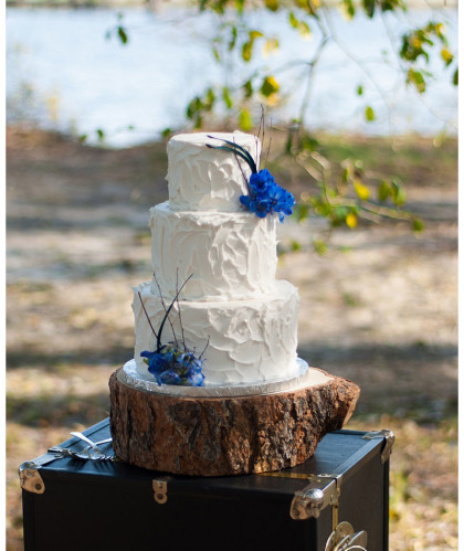 Three Round Tiers with Blue Accents