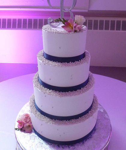Four Tiers with Pearls