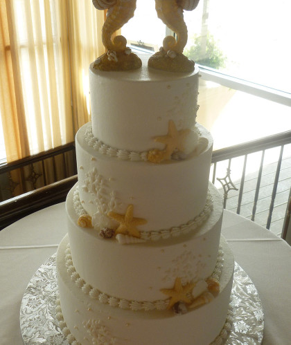 Four Tiers with Seahorses