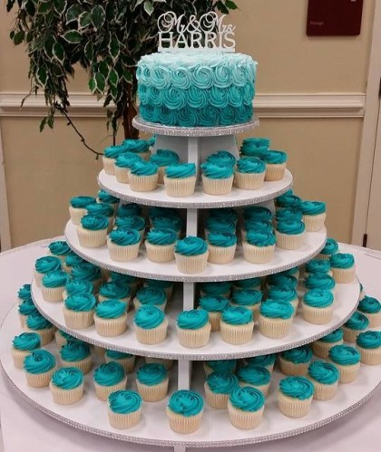 Teal Hombre With Cupcakes