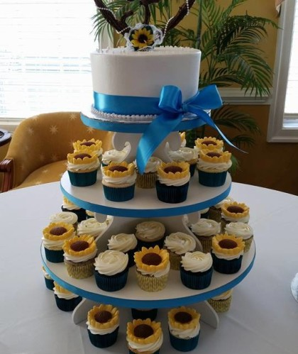 Single Tier with Sunflower Cupcakes