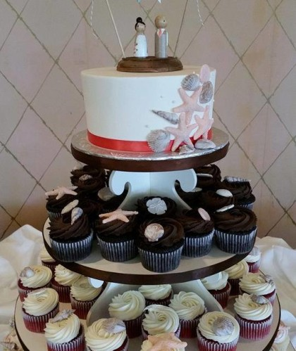 Single Tier with Seashell Cupcakes