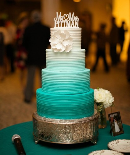 Four Tiers White to Teal