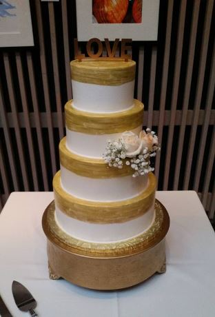 Four Tiers with Gold